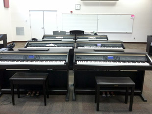 State of the art Piano Lab
